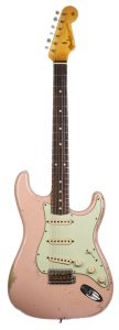 Fender_Custom_Shop_62_Stratocaster_Heavy_Relic_Shell_Pink_R46165_a